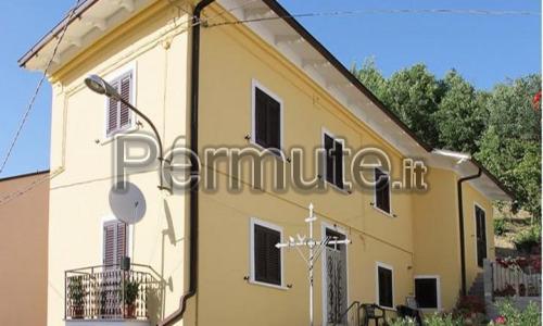 villa in Goriano Sicoli