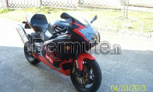 aprilia rsv 1000 anno 2001